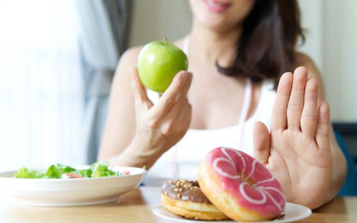 Hvordan gå ned i vekt fort uten å trene